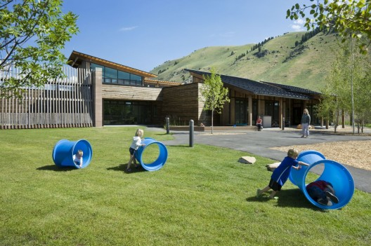 Teton County Children's Learning Center / Ward+Blake Architects + withD.W. Arthur Associates Architecture, Inc. © Roger Wade Studios