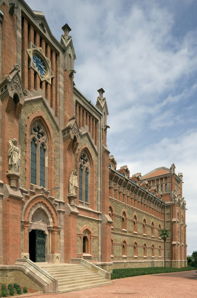 Renewal of the Old Main Seminar of Comillas University / Fernandez-Abascal y Muruzabal + Ortiz y Barrientos +  Ulargui y Pesquera