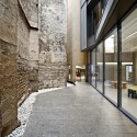 Toy Library and Offices / taller 9s arquitectes © Adrià Goula
