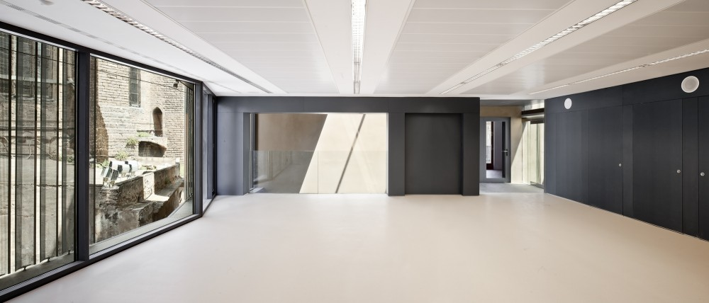 Toy Library and Offices / taller 9s arquitectes
