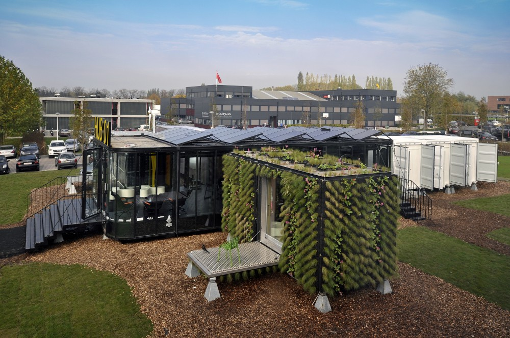 Hub 01 – Mobile Student Housing Terminal / dmvA Architecten + A3 Architects