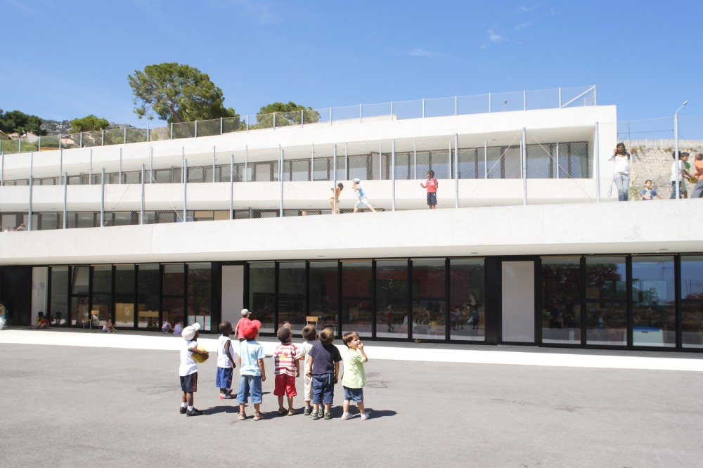 13 Class Primary School in Beausoleil / CAB Architects