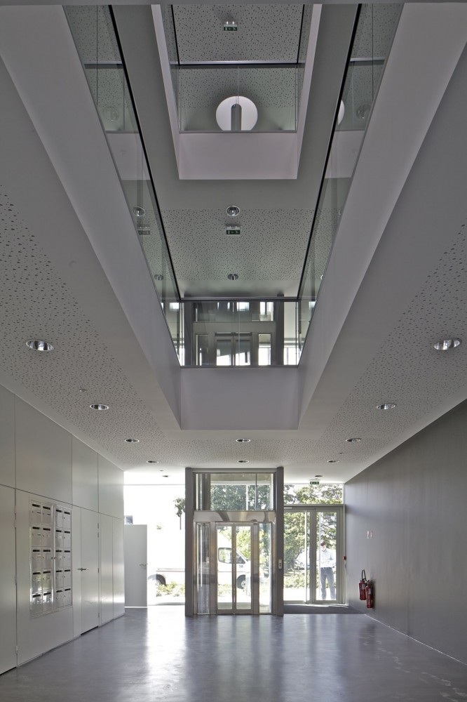 Pole Services / Barr Lambot Architectes