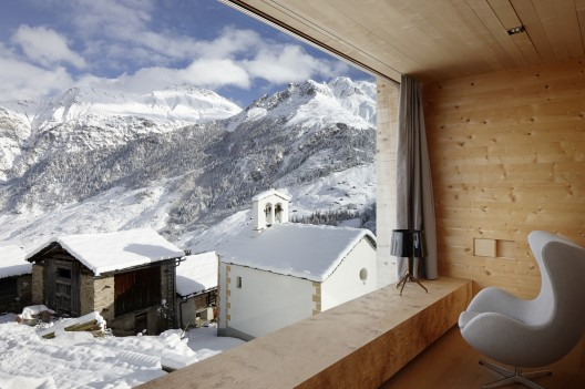 http://ad009cdnb.archdaily.net/wp-content/uploads/2013/01/50e72f64b3fc4b10a30000b9_zumthor-vacation-homes-for-let_zumthor_leis__14-528x351.jpg