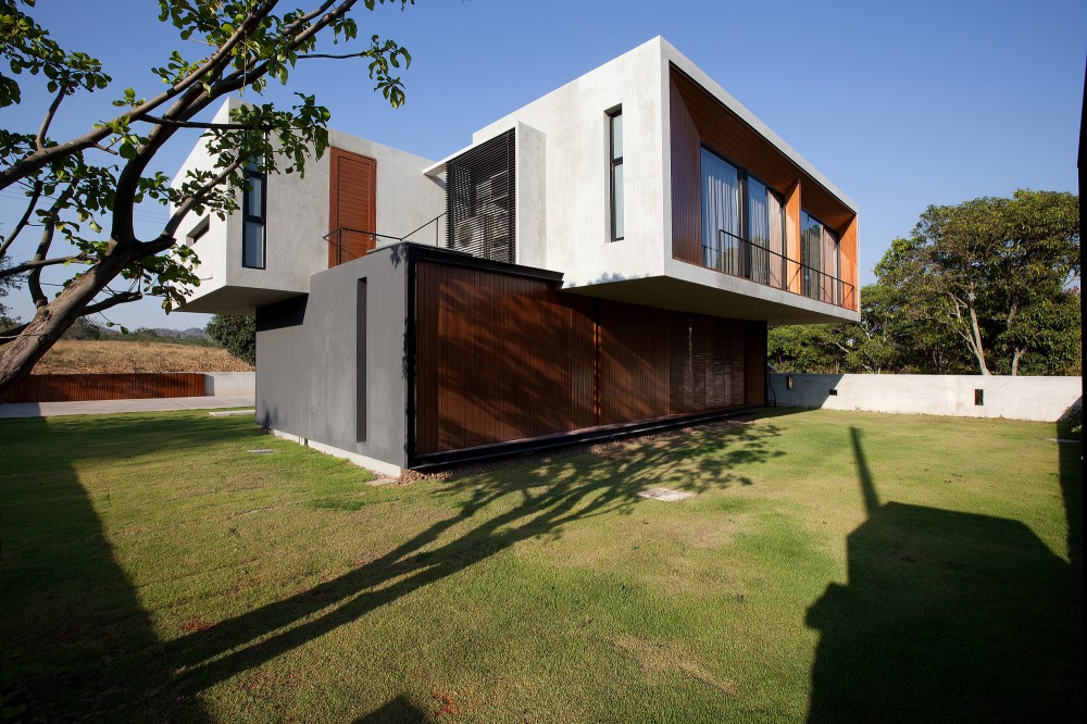 W House / IDIN Architects
