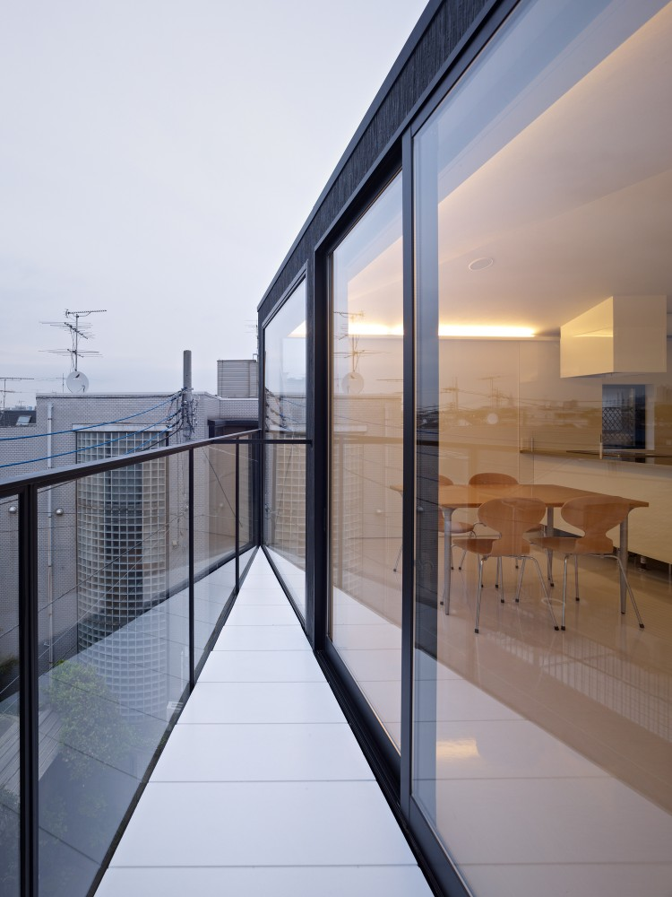 Tokyo Balconies / KINO Architects