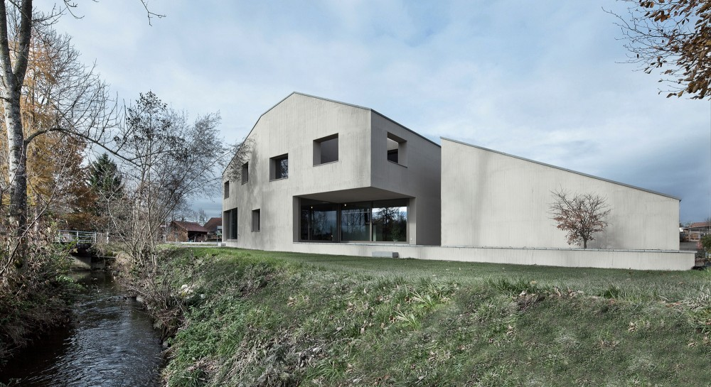 Haus am Bach / Dolmus Architekten