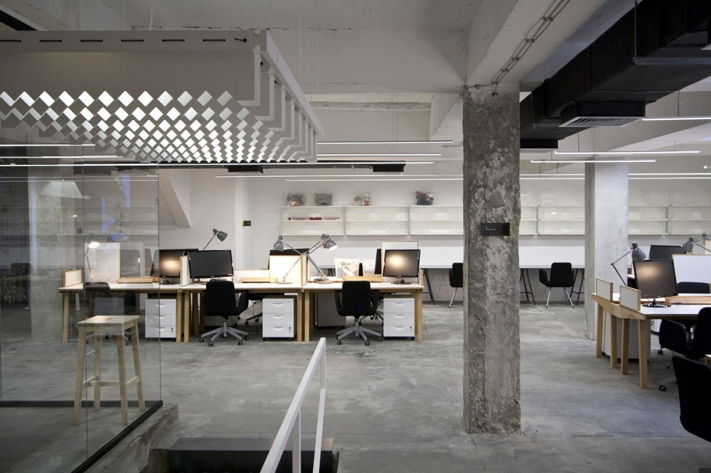 NOVA ISKRA Design Incubator in Belgrade / Studio Petokraka