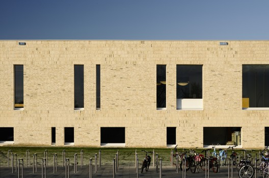 Scherpenzeel Multifuntional Complex / Koppert + Koenis Architects  Mark Prins