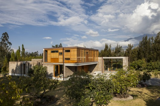 Casa En Cotacachi / Arquitectura X  Sebastin Crespo