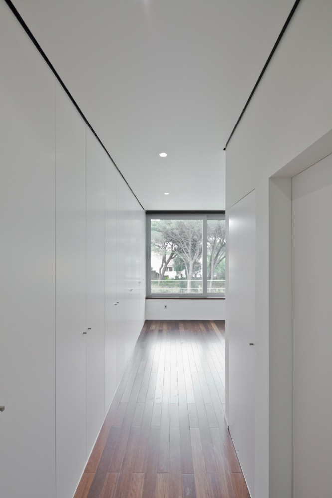 Godiva House / Empty Space Architecture
