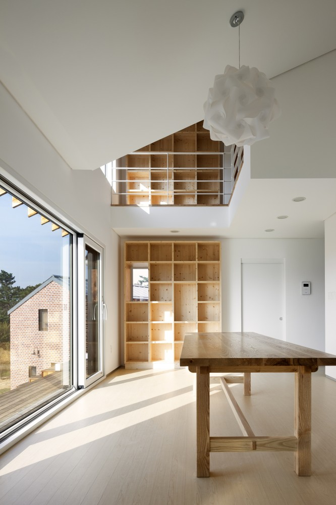 House of January / Studio-Gaon