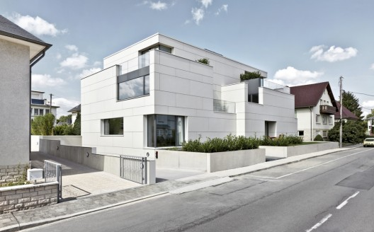 7 Units Housing Building / Metaform Architecture  Steve Troes