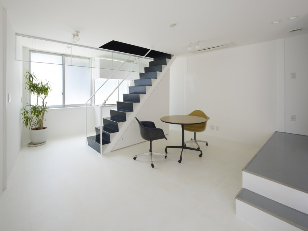 XYYX Apartment / Naf Architect & Design