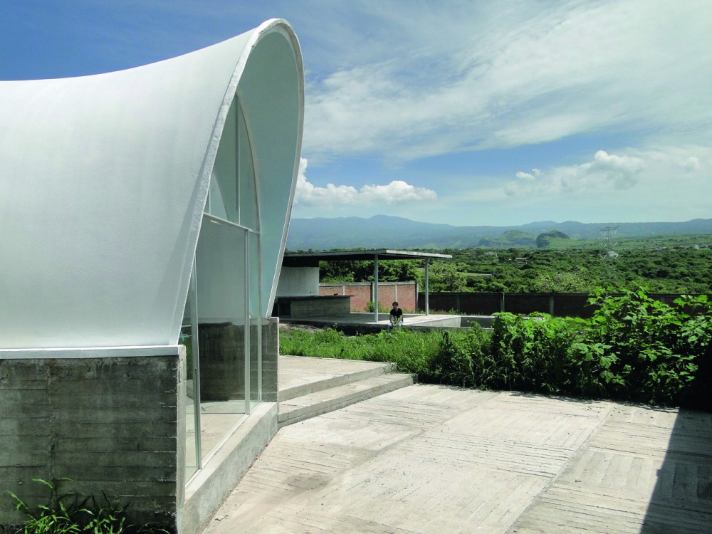 House in Tlayacapan / PRODUCTORA