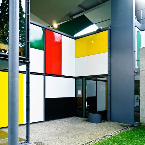 http://ad009cdnb.archdaily.net/wp-content/uploads/2013/01/50fc6529b3fc4b068c000065_ad-classics-centre-le-corbusier-heidi-weber-museum-le-corbusier_le-corbusier-switzerland-zurich-heidi-weber-pavilion-04-samuel-500x500.jpg