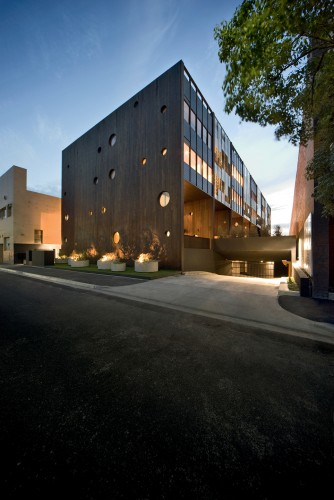 Hue Apartments / Jackson Clements Burrows Architects © John Gollings