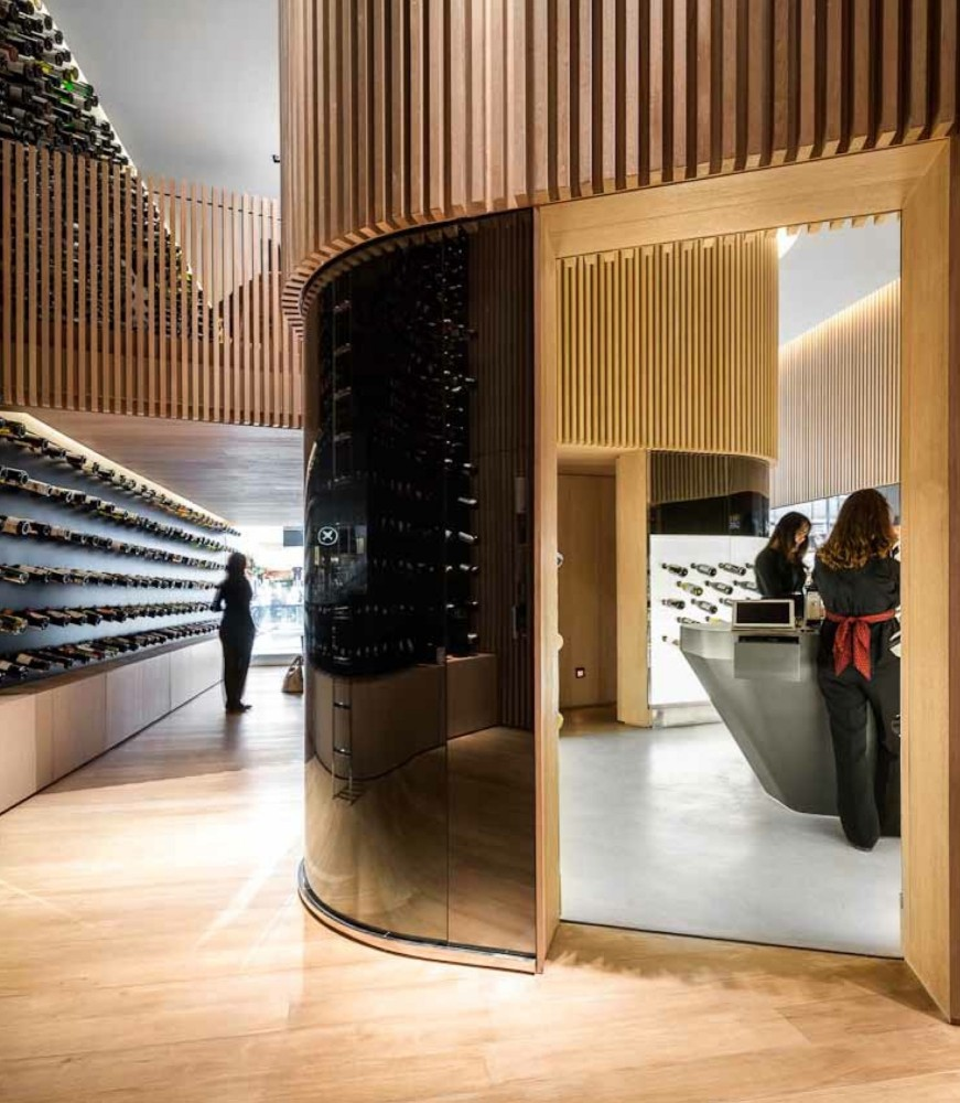 Mistral Wine Store / Studio Arthur Casas