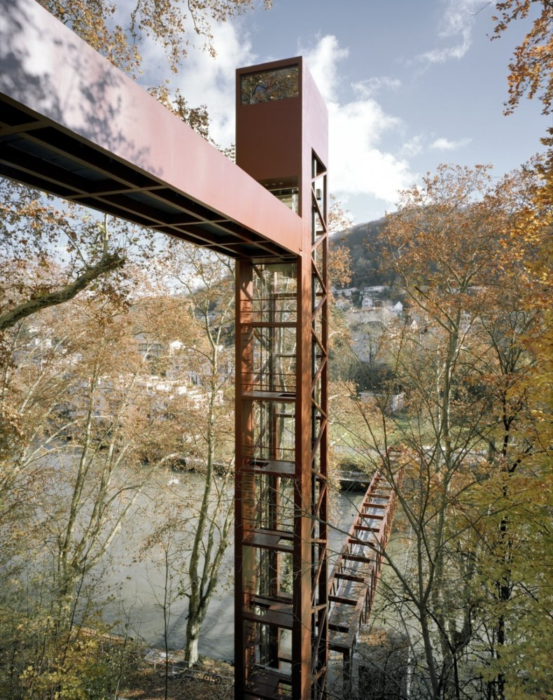 Limmat Footbridge and Promenade Lift / Leuppi & Schafroth Architekten