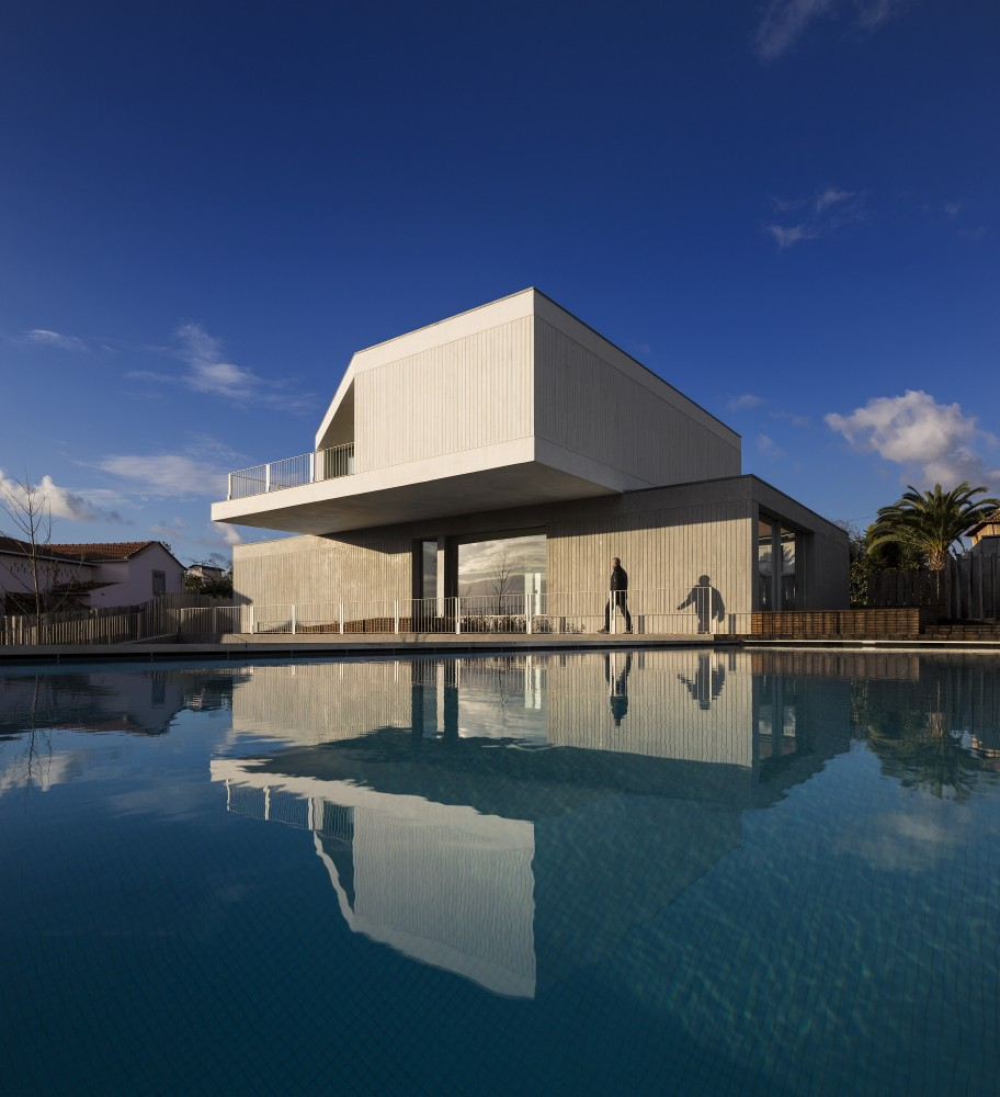 House in Travanca / Nelson Resende