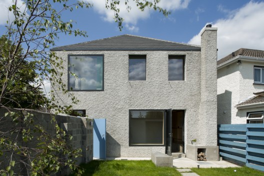 4 House / TAKA © Alice Clancy