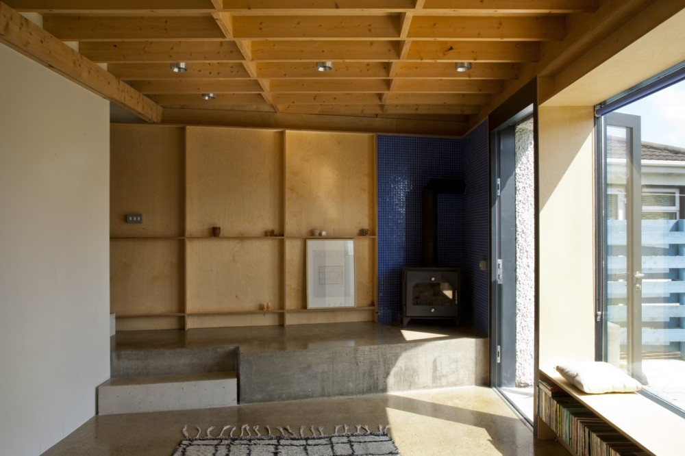 4 House / TAKA