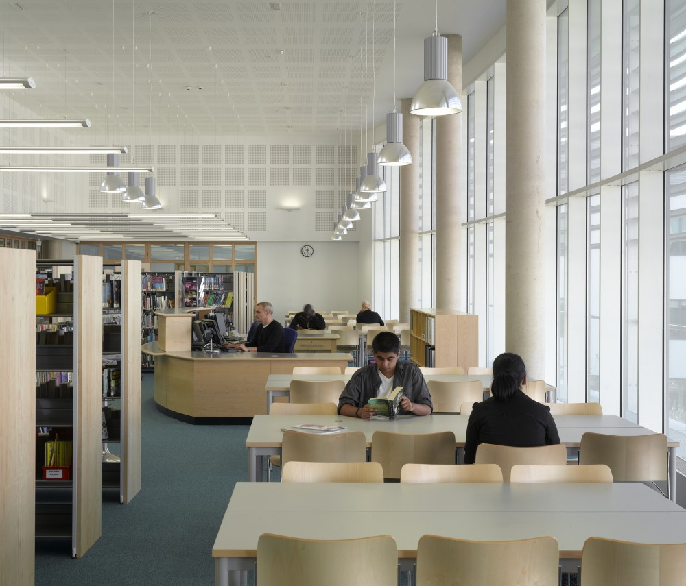 Joseph Chamberlain Sixth Form College / Nicholas Hare Architects