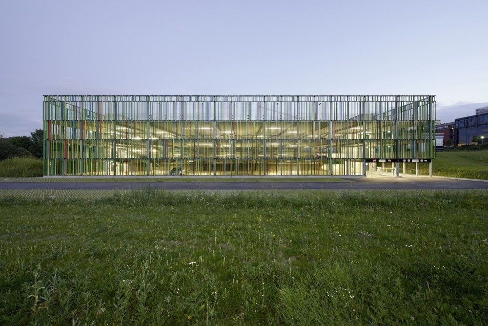 Multi-storey Car Park / JSWD Architekten
