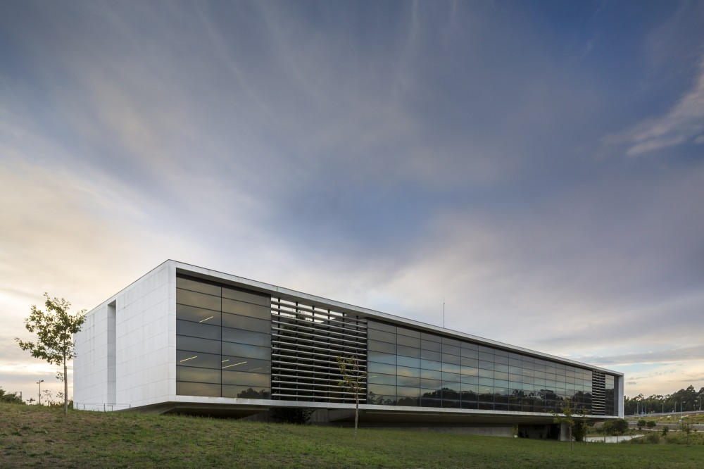 Agros Headquarters / Rocha Leite Arquitectos Associados