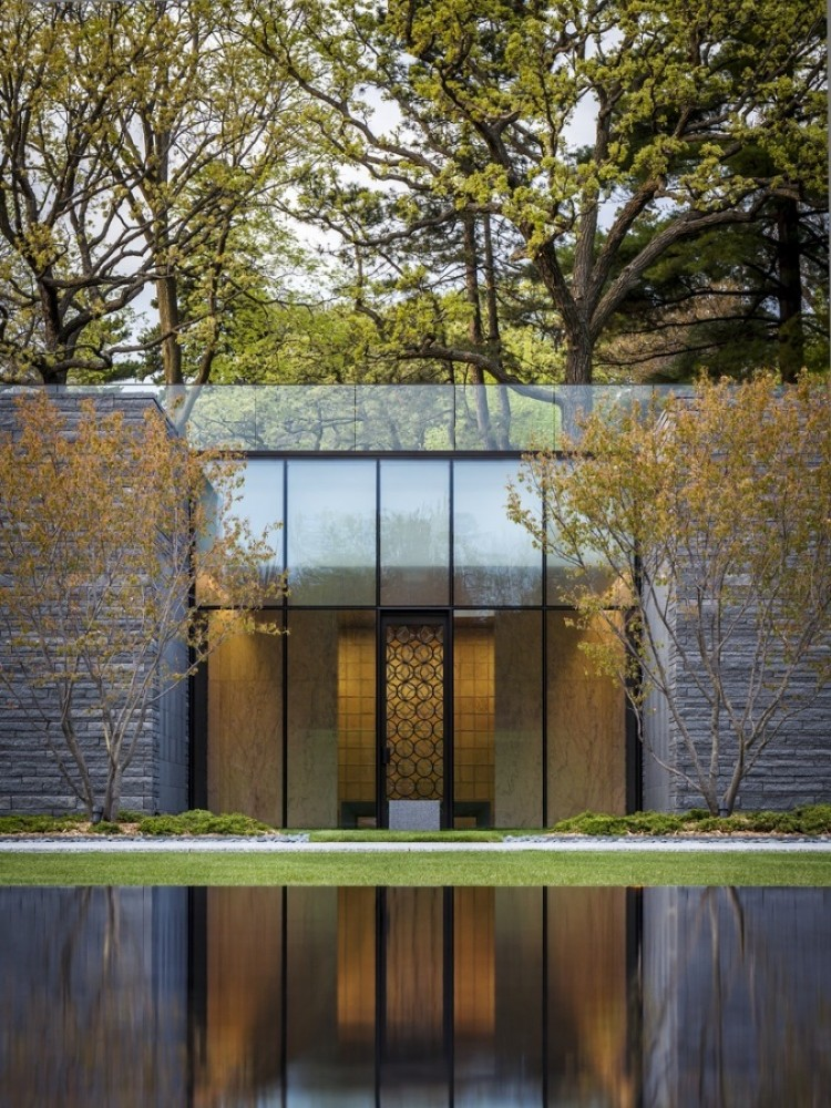 Lakewood Garden Mausoleum / HGA