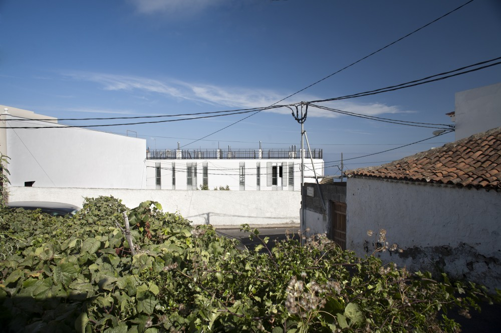 12 Houses in Icod / daolab