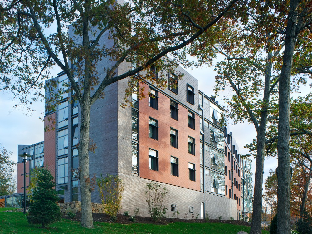 Hillside Hall / LLB Architects
