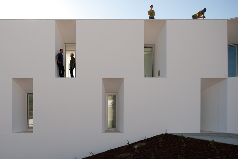 Alccer do Sal Residences / Aires Mateus