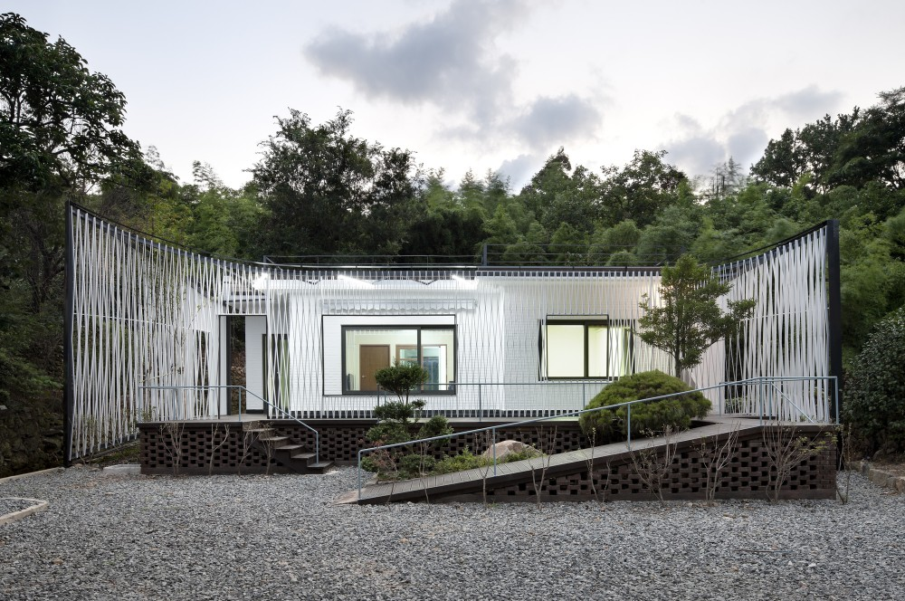 Namhae Cheo-ma House / JOHO Architecture