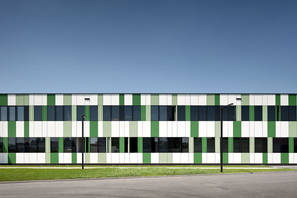 BRG Neusiedl am See / Solid Architecture
