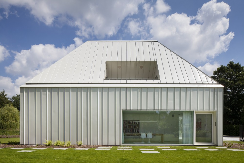 House VMVK / dmvA