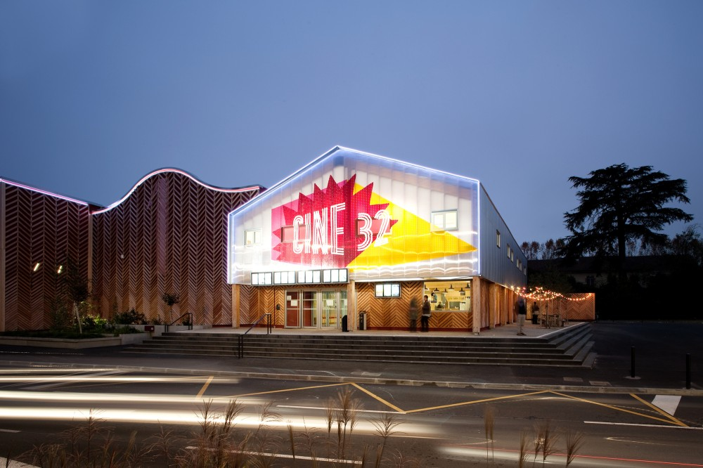 Cine 32 / ENCORE HEUREUX Architectes
