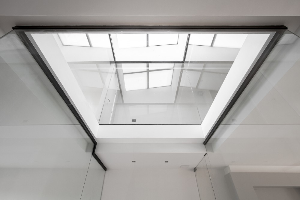 Interior Light-Single Family Housing / Viraje architecture