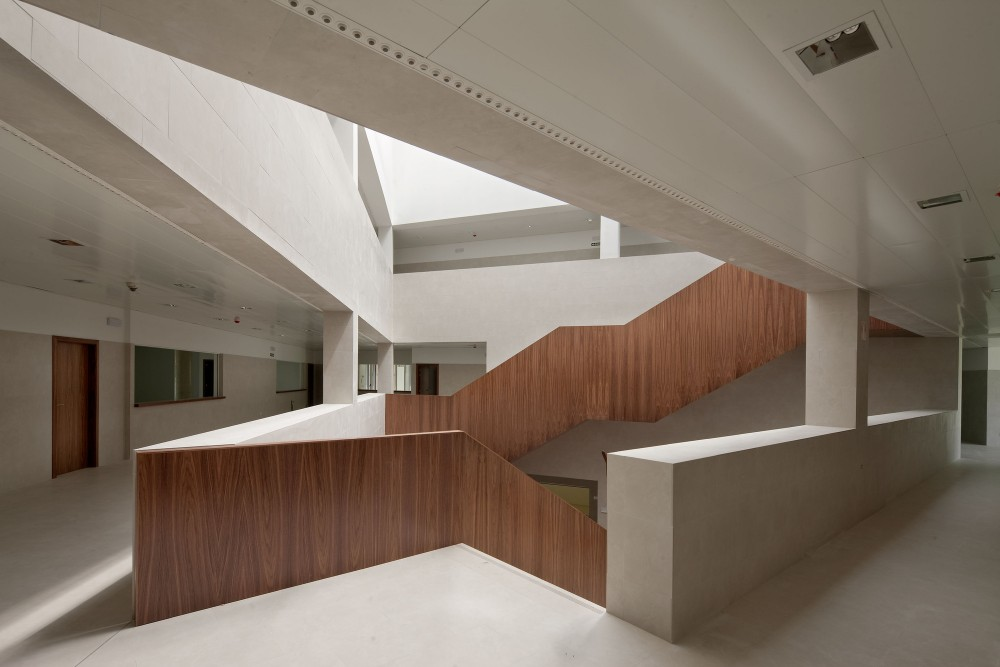 Tudela Courts / Otxotorena Arquitectos