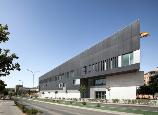 Tudela courts otxotorena arquitectos archdaily - Arquitectos navarra ...