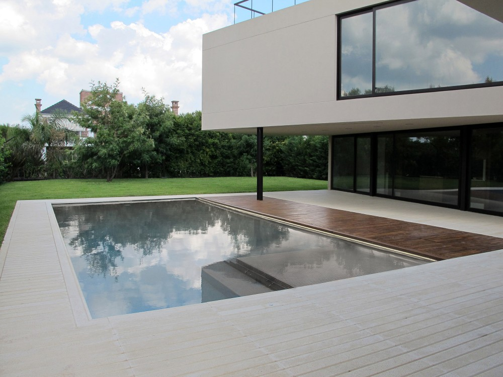 House in Tigre / FILM-Obras de Arquitectura