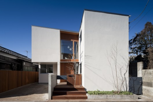 Coupled House / Naoi Architecture &amp; Design Office  Hiroshi Ueda