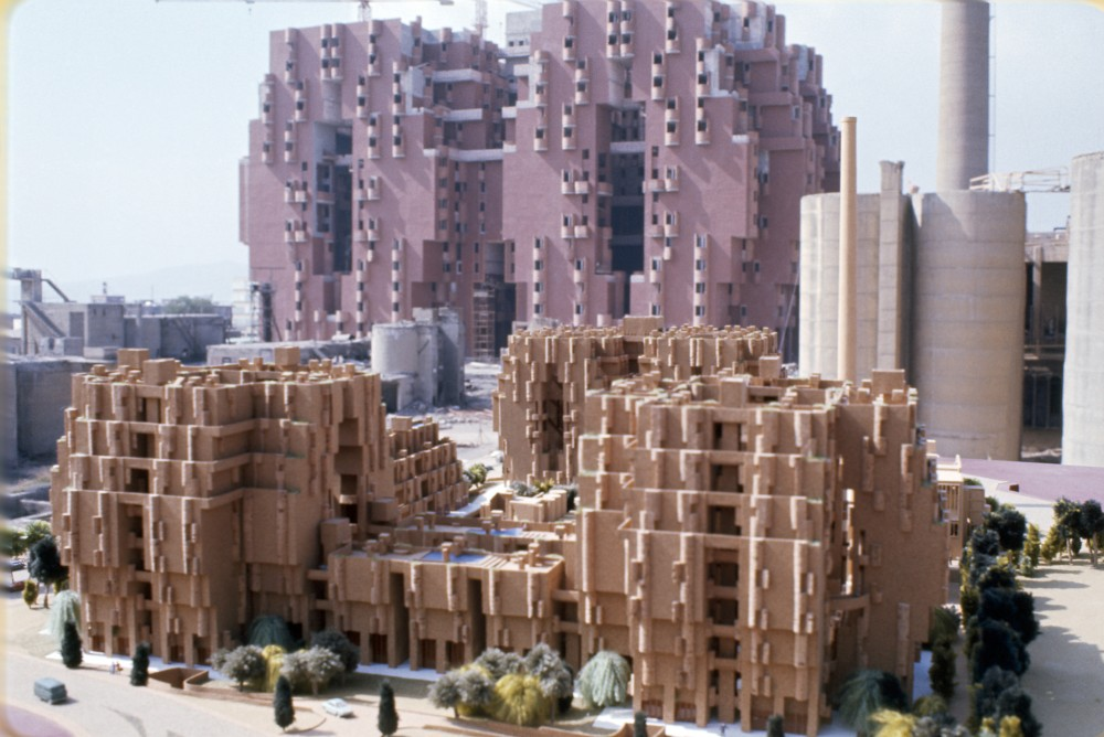 AD Classics: Walden 7 / Ricardo Bofill