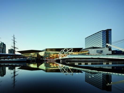 Melbourne Convention and Exhibition Centre / Woods Bagot Courtesy of Woods Bagot