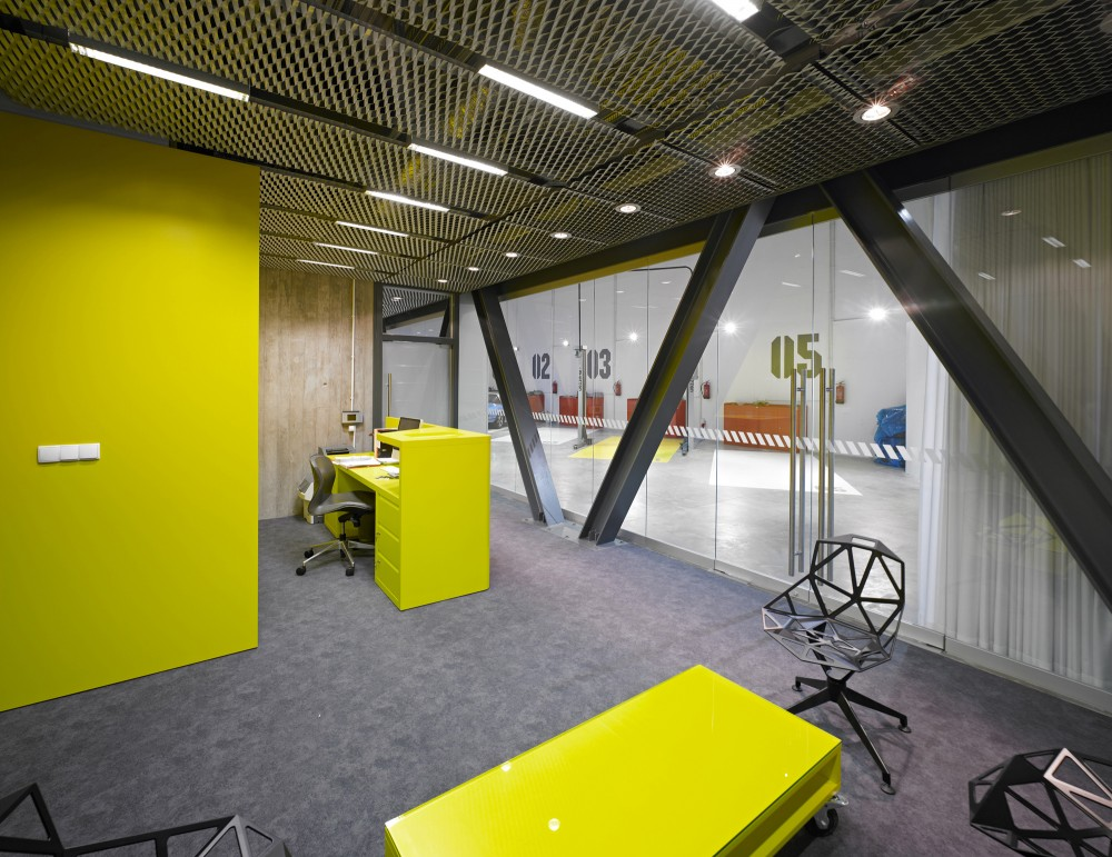 Office-Garage / Ultra Architects