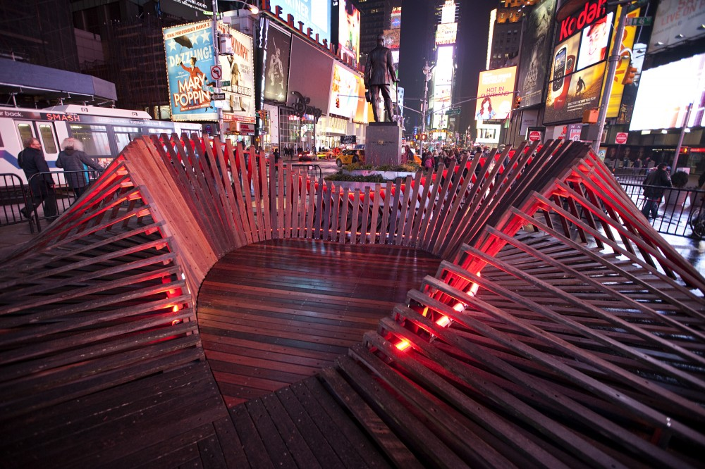 Situ Studio&#8217;s &#8216;Heartwalk&#8217; Opens in Times Square