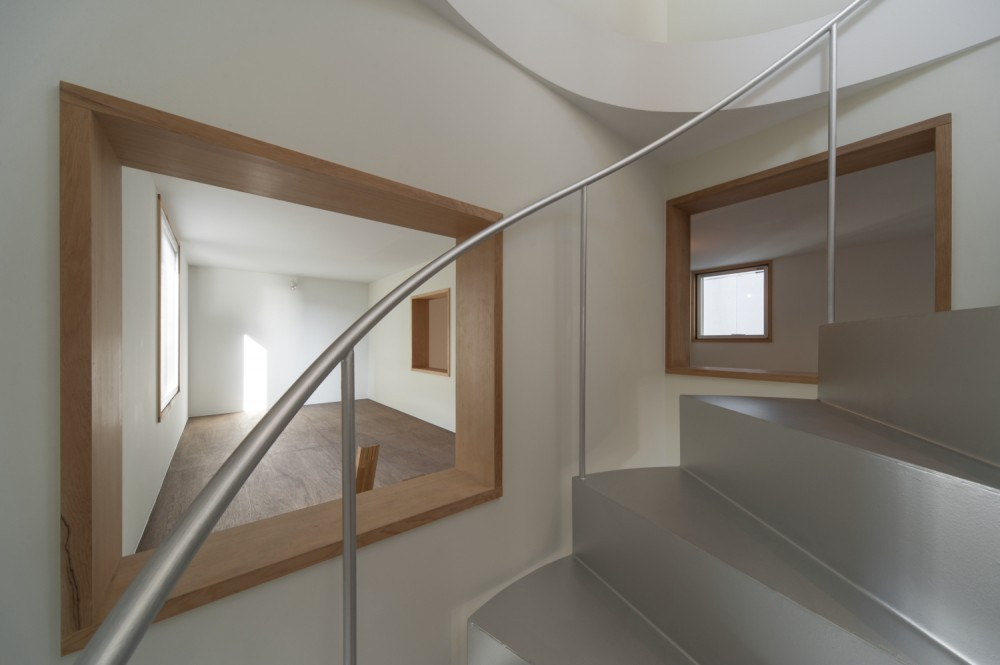 BASE / Komada Architects' Office