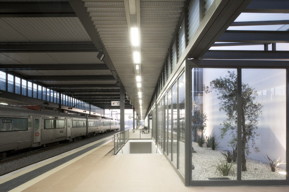 New Aveiro Train Station / JLLA