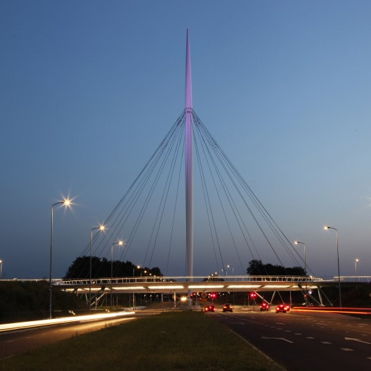 Hovenring, Circular Cycle Bridge / ipv Delft Courtesy of ipv Delft