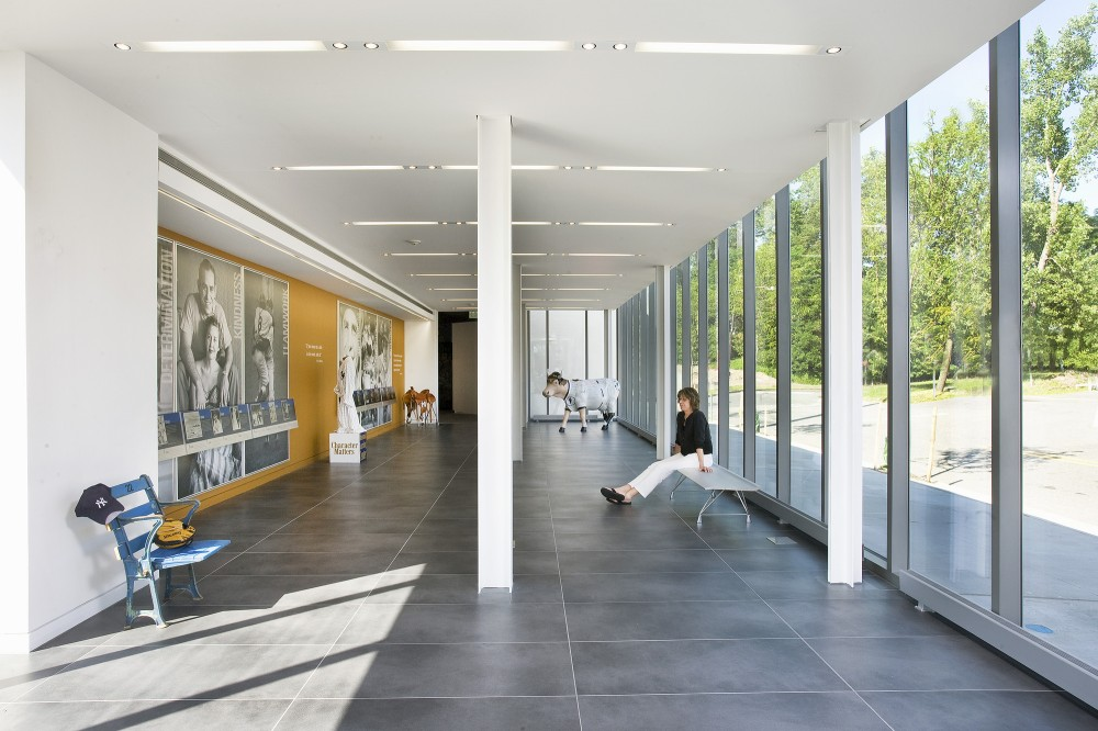 Yogi Berra Museum and Learning Center / ikon.5 architects